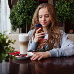 Lotto moet 10.000 euro boete betalen voor gokreclame op tienersite Girlscene