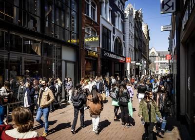 Winkelverkoop stijgt, ondernemers optimistischer dan ooit, maar personeel is niet te vinden